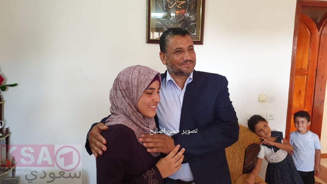 رؤى سعد سلامة فروانة السادس مكرر اوائل الثانوية العامة صور اوائل توجيهي